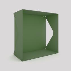 Cube-étagère échancré en acier avec sa plaque, vert